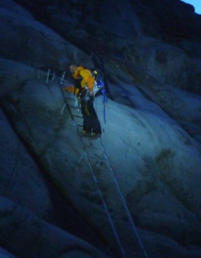moulin mer de glace - échelles de l'envers nuit