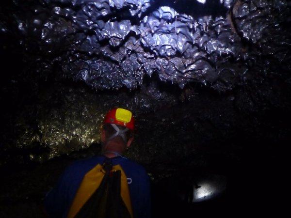 Tunnel de lave _ La Réunion - Stalactites